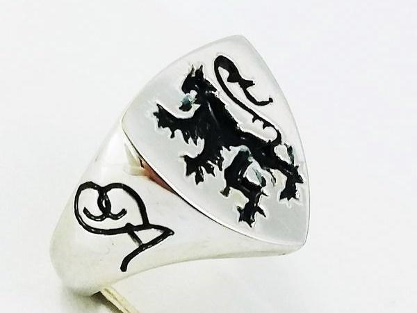 white gold lion ring
