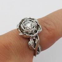 Flower-shaped engagement ring