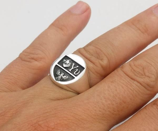 Fingered wolf ring