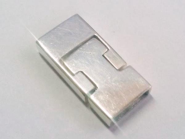 magnetic silver clasp