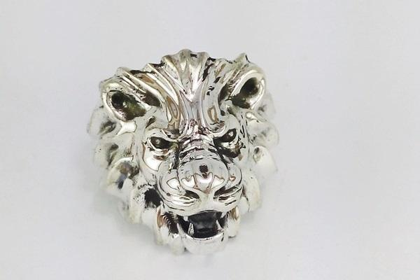 silver head lion ring