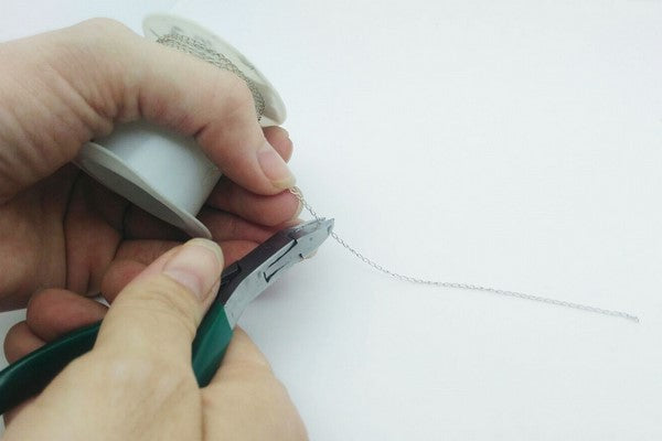 cutting silver chain for diy bracelet making