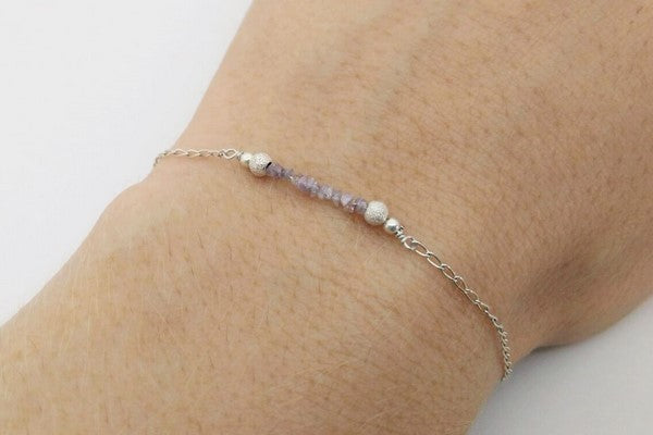 diy bracelet on the wirst