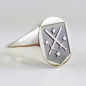 silver_family_crest_ring