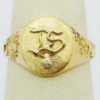 18k gold engraved signet ring
