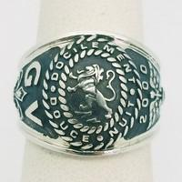 cusom mode silver signet ring with lion