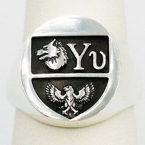 modern family crest ring in silver