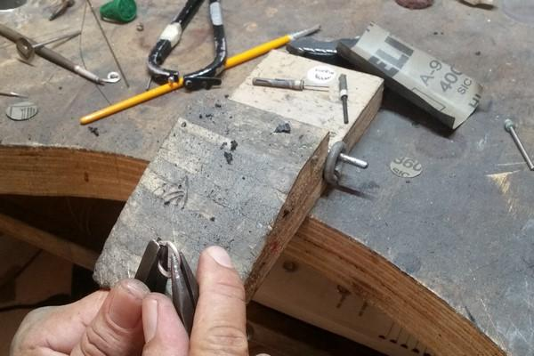 Jeweler's wooden bench pin