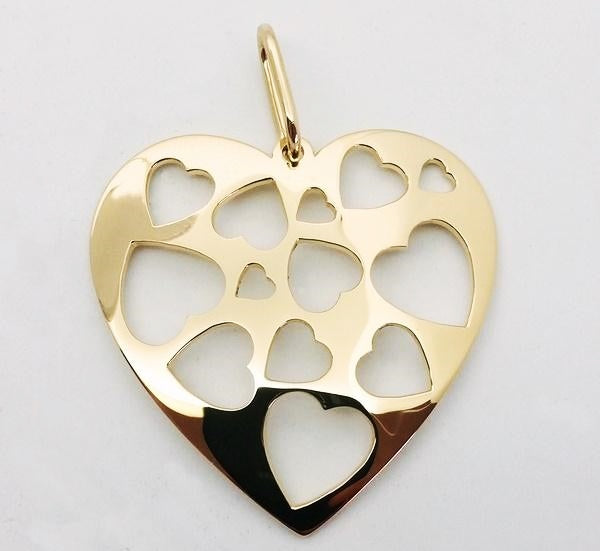 large 18k heart shaped pendant