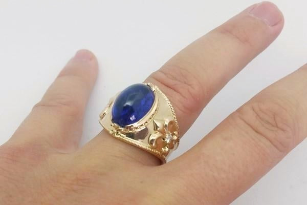 tanzanite gold ring wore on the ring finger