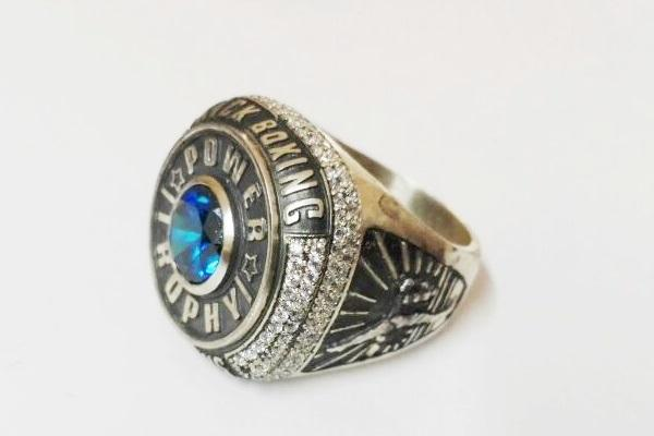 custom makinf of championship ring
