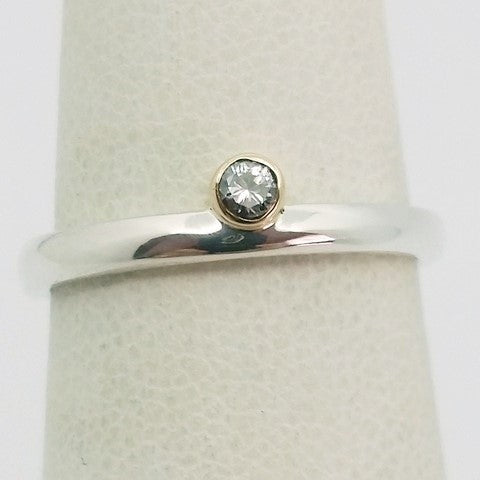 Solitaire silver ring