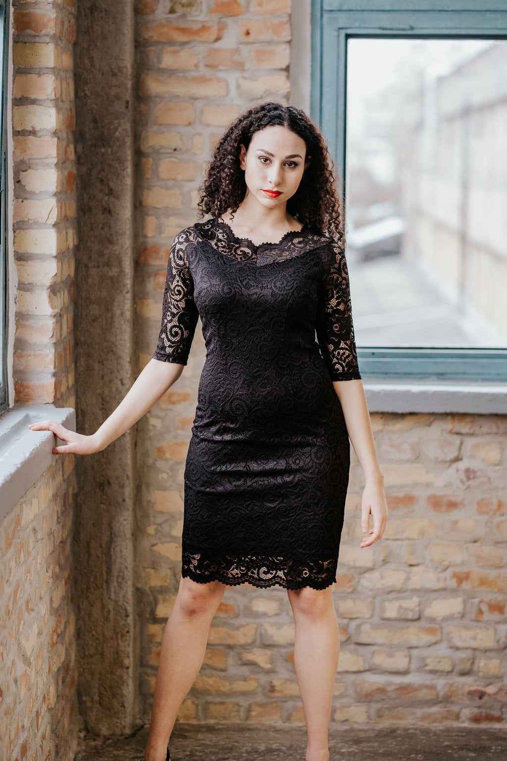Lace little black dress in Dress - New York Black Dress