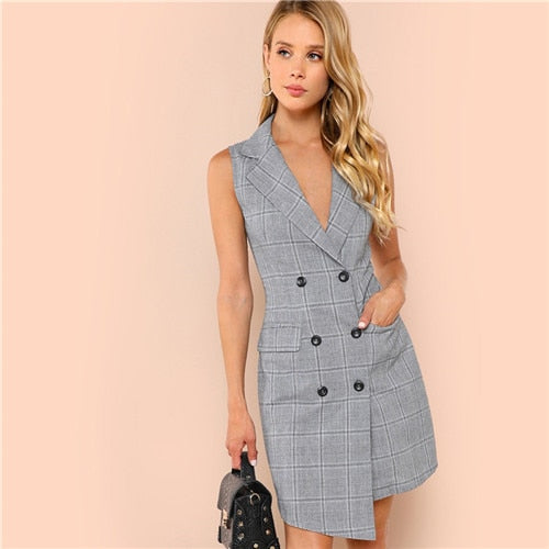 V-Neck Buttoned Pocketed Elegant Vintage Dress.