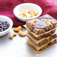 No Bake Dark Chocolate Cashew Granola Bars