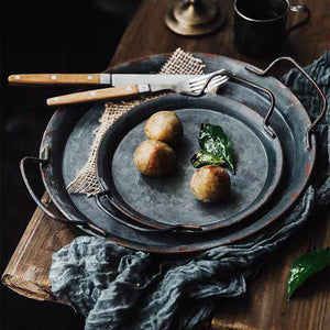 Retro Metal Plate With Handles Handcrafted Round Wrought Vintage Storage Bread Tray Home Decoration Garden Restaurant