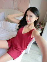 women red shorts sets