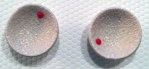 Concave Earrings - Off-White with Red Mole