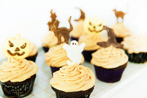 CHOCOLATE HALLOWEEN CUPCAKES WITH ROYAL ICING DECORATIONS