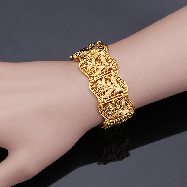 Fashion Gold  Charm Bracelets & Bangles