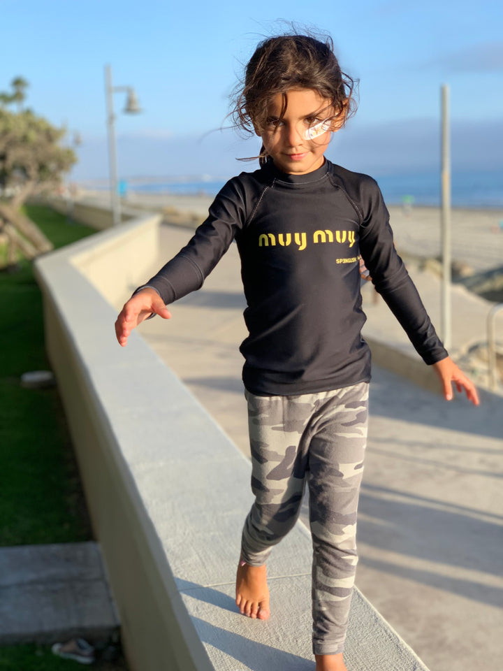 muy muy  - Kids Rash Guard unisex