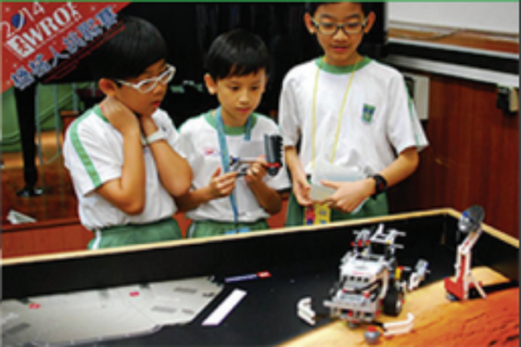 Children are attending Robotics Competition Course in TechBob Academy
