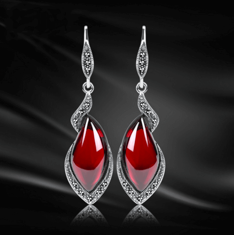 Image of Vintage Thai Garnet Drop Earrings - Discount Patrol