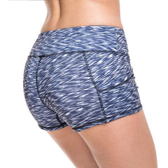 Women's Gray Wavy Pattern Mid Waist Active Shorts