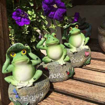 Cute Frog Decorative Stone Garden Statues