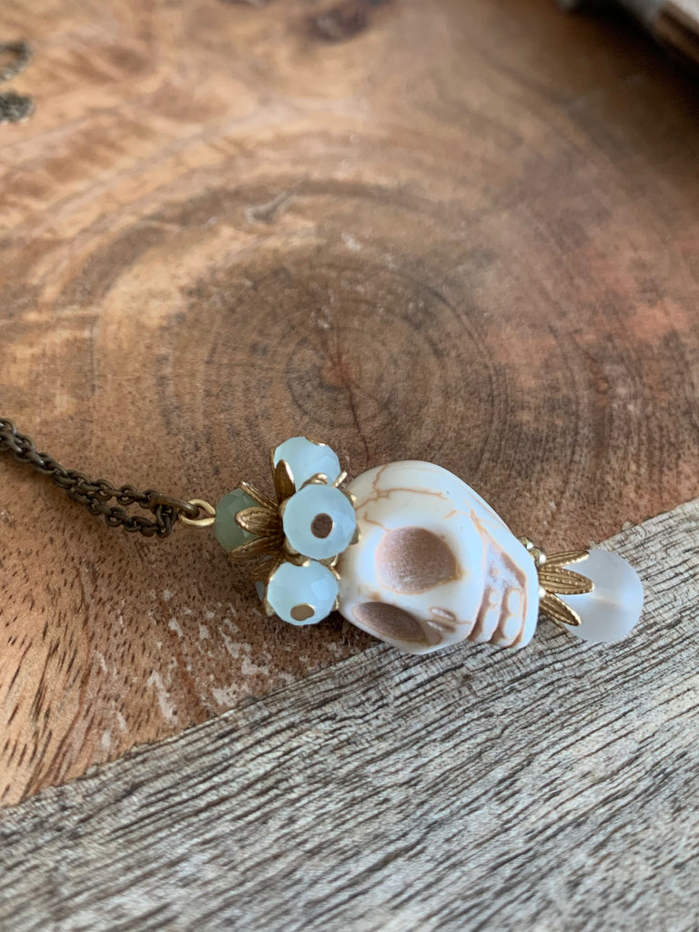 Lone Skull Necklace - Ivory - Nous Wanderlust Stories