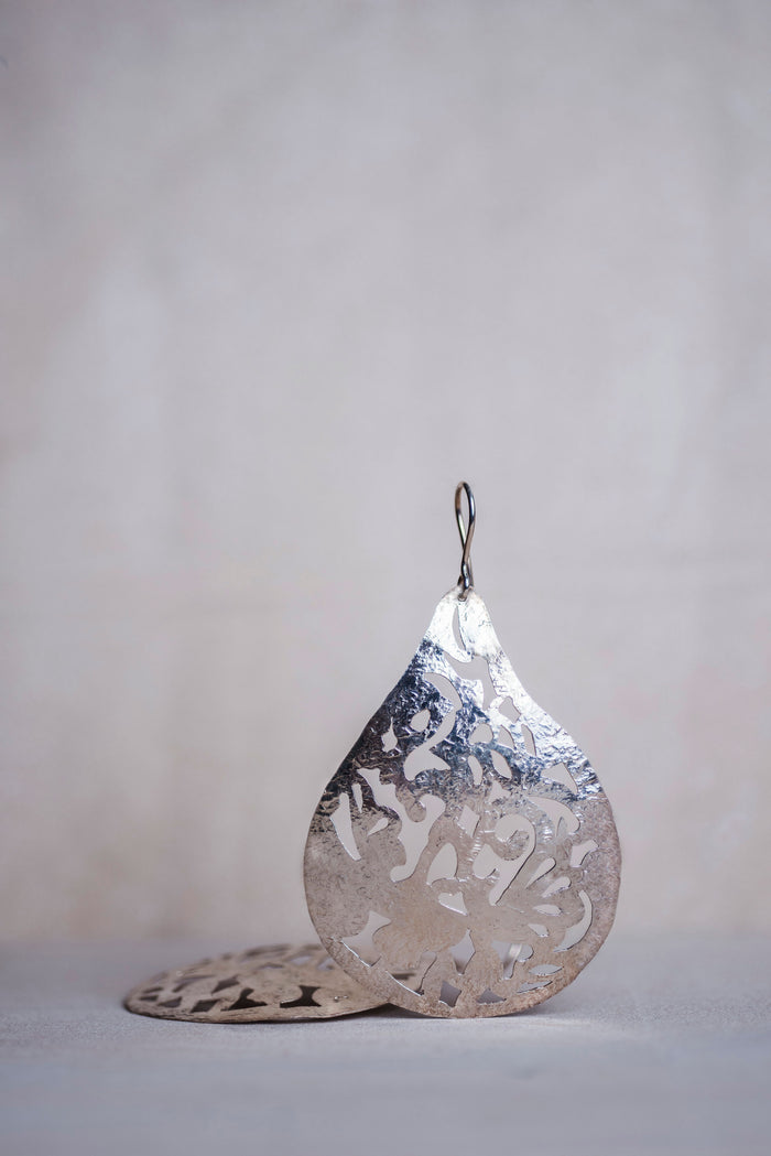 Rain Drop Silver Earrings - Nous Wanderlust Stories