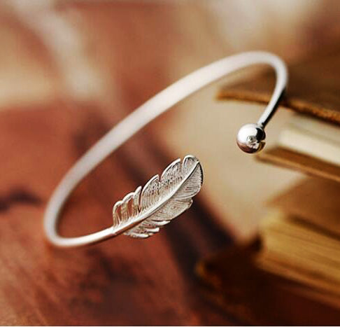 Beautiful leaf open bracelet 925