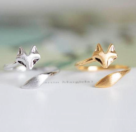 Spinningdaisy Handcrafted Brushed Metal Sleek Fox Head Ring
