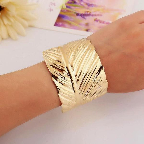 Wide leaf open bracelet