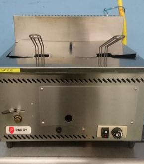 Parry: Natural Gas Counter Top Fryer 23338BTU-AGF (44044)