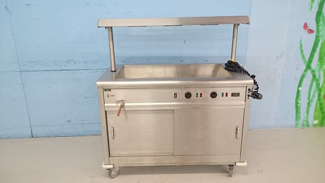 Bain Marie Servery with Heated Gantry and Tray Slide