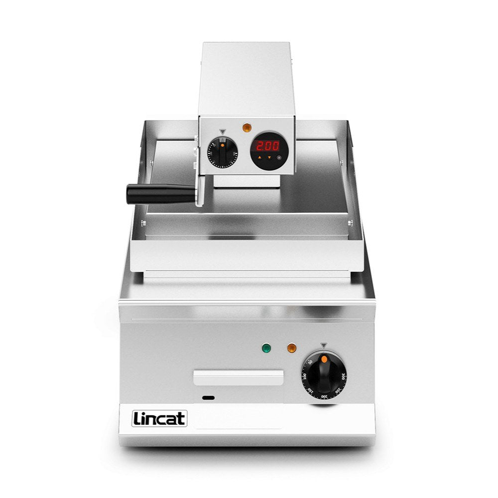 Lincat Opus 800 Electric Clam Griddle Ribbed Top : OE8211/R