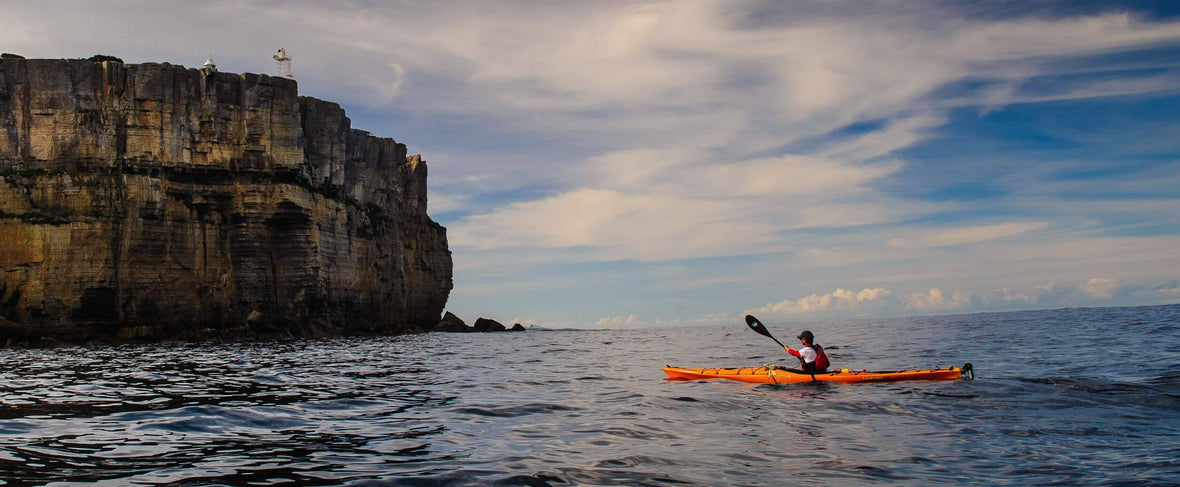 5 Sea Kayak Safety Tips For Beginners & Professionals