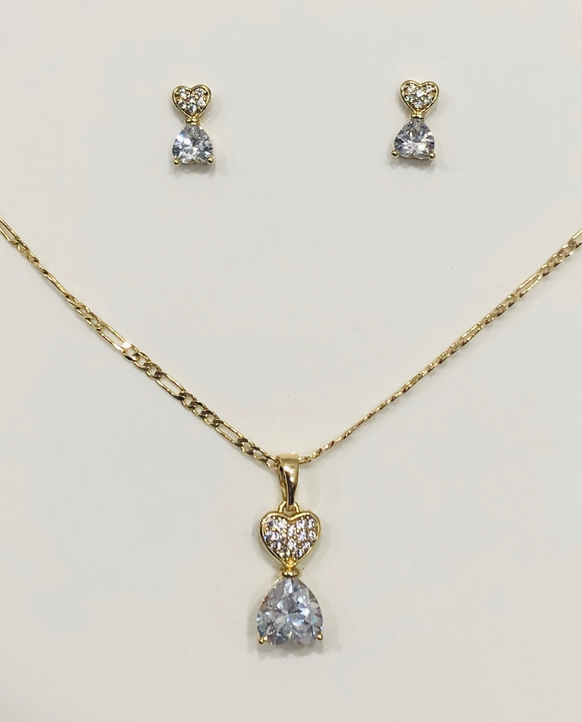 18ct Gold Plated Pendant & Earrings Set - 01