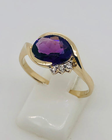 9ct Yellow Gold Oval Bypass Amethyst with 0.05ct Diamonds