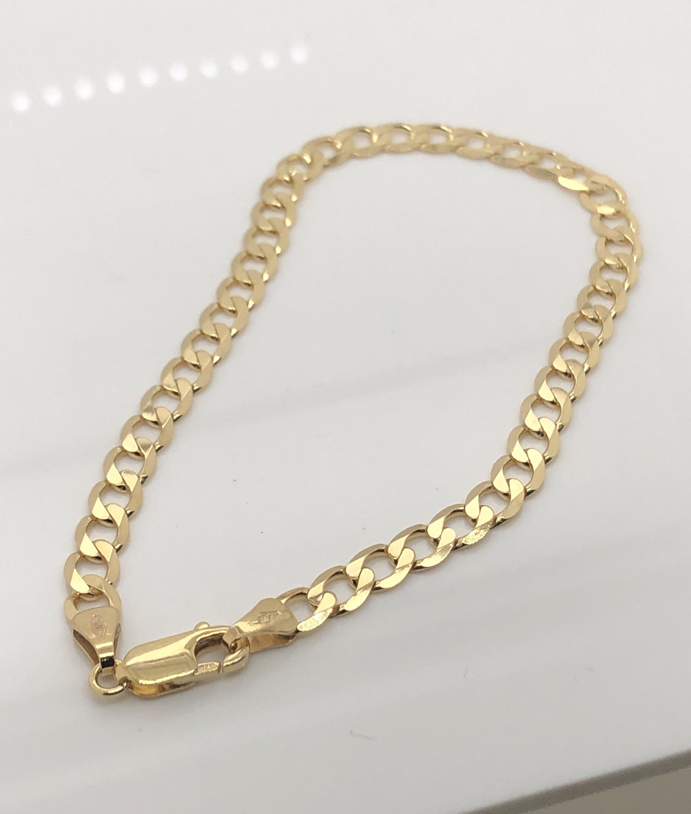 9ct Yellow Gold Curb Bracelet 22cm Long