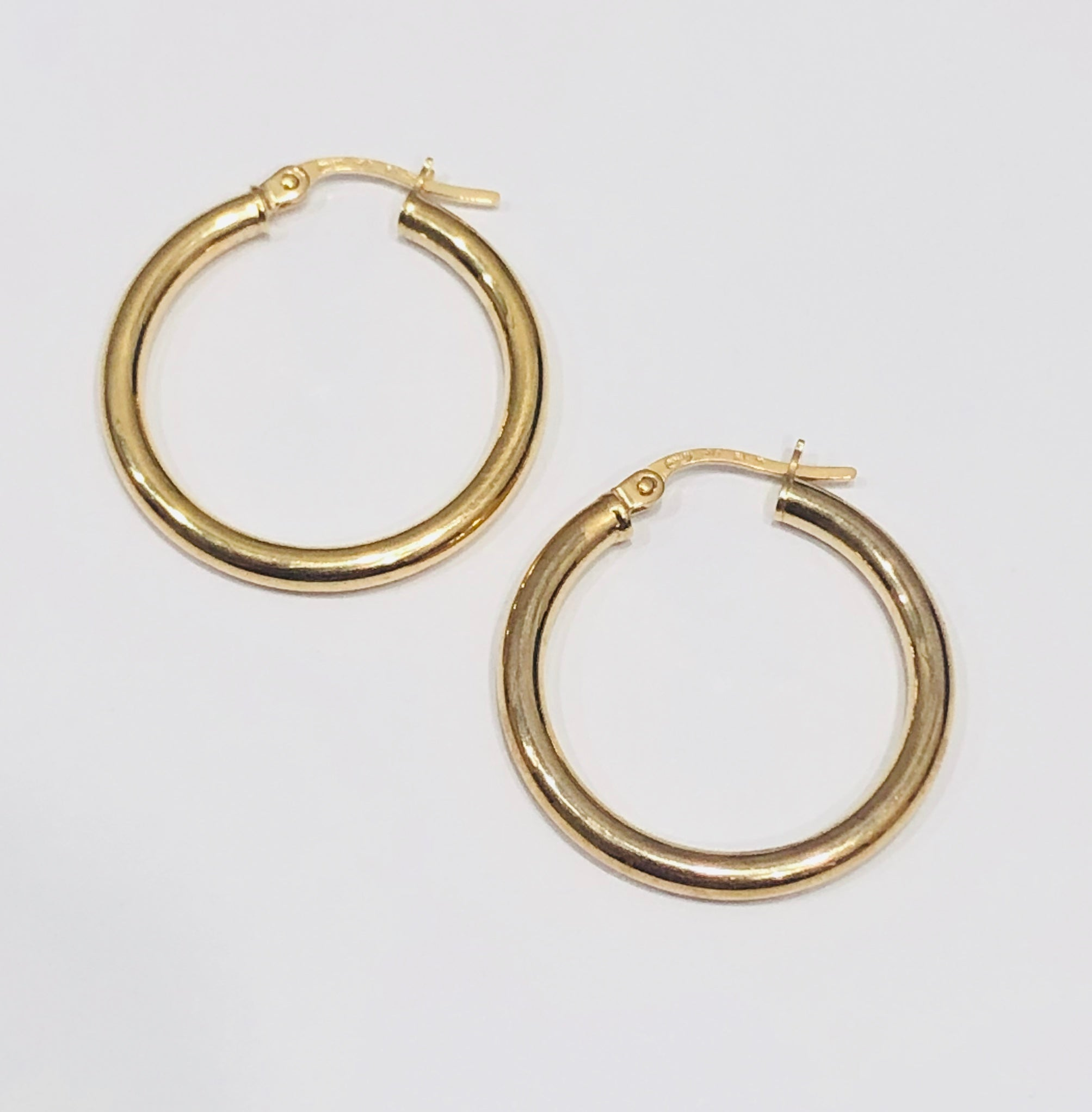 9ct Gold Hoop Earrings 19mm x 3mm - 016