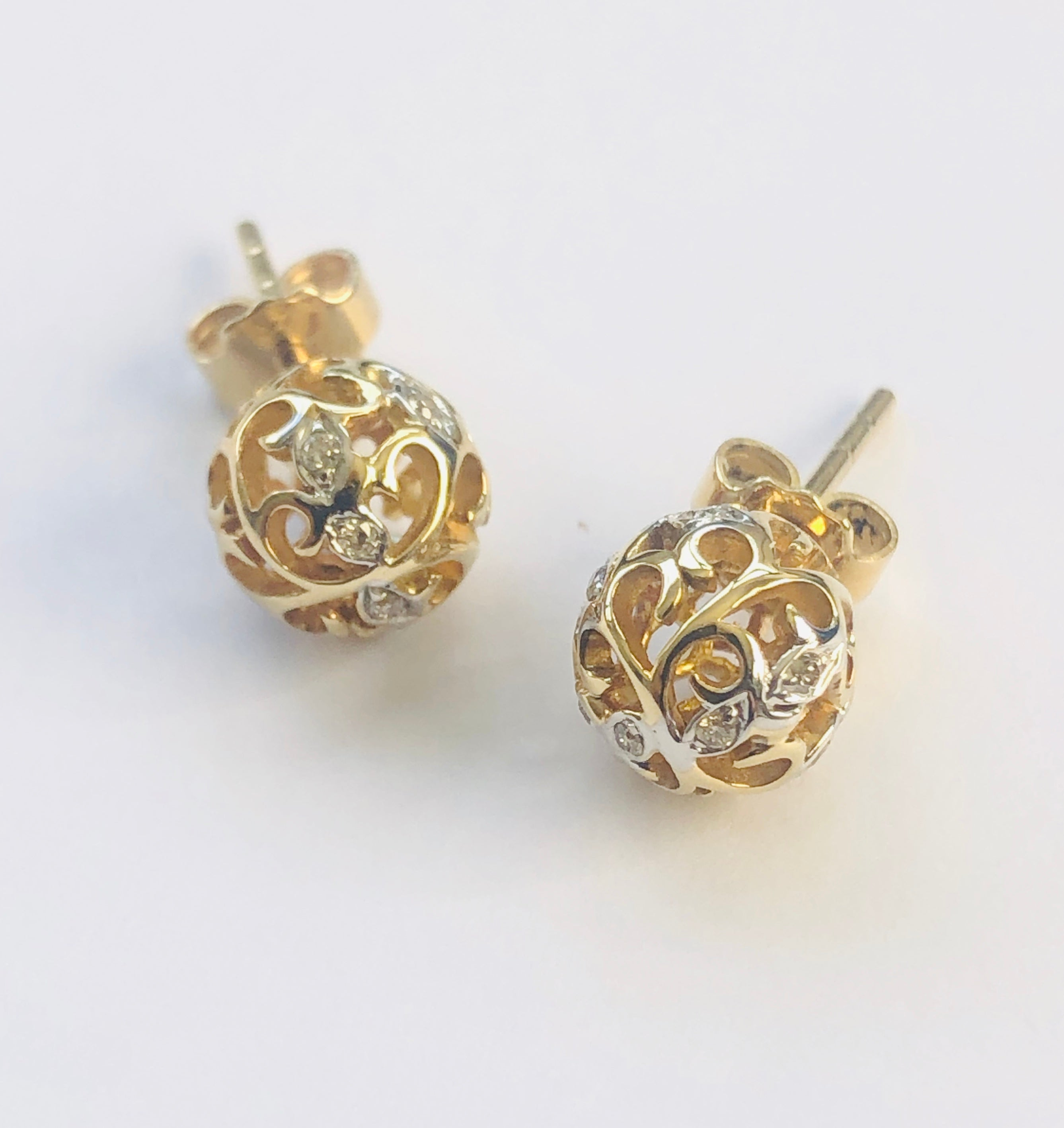 9ct Yellow Gold Filigree Ball Studs with Diamond Setting 8mm - 034