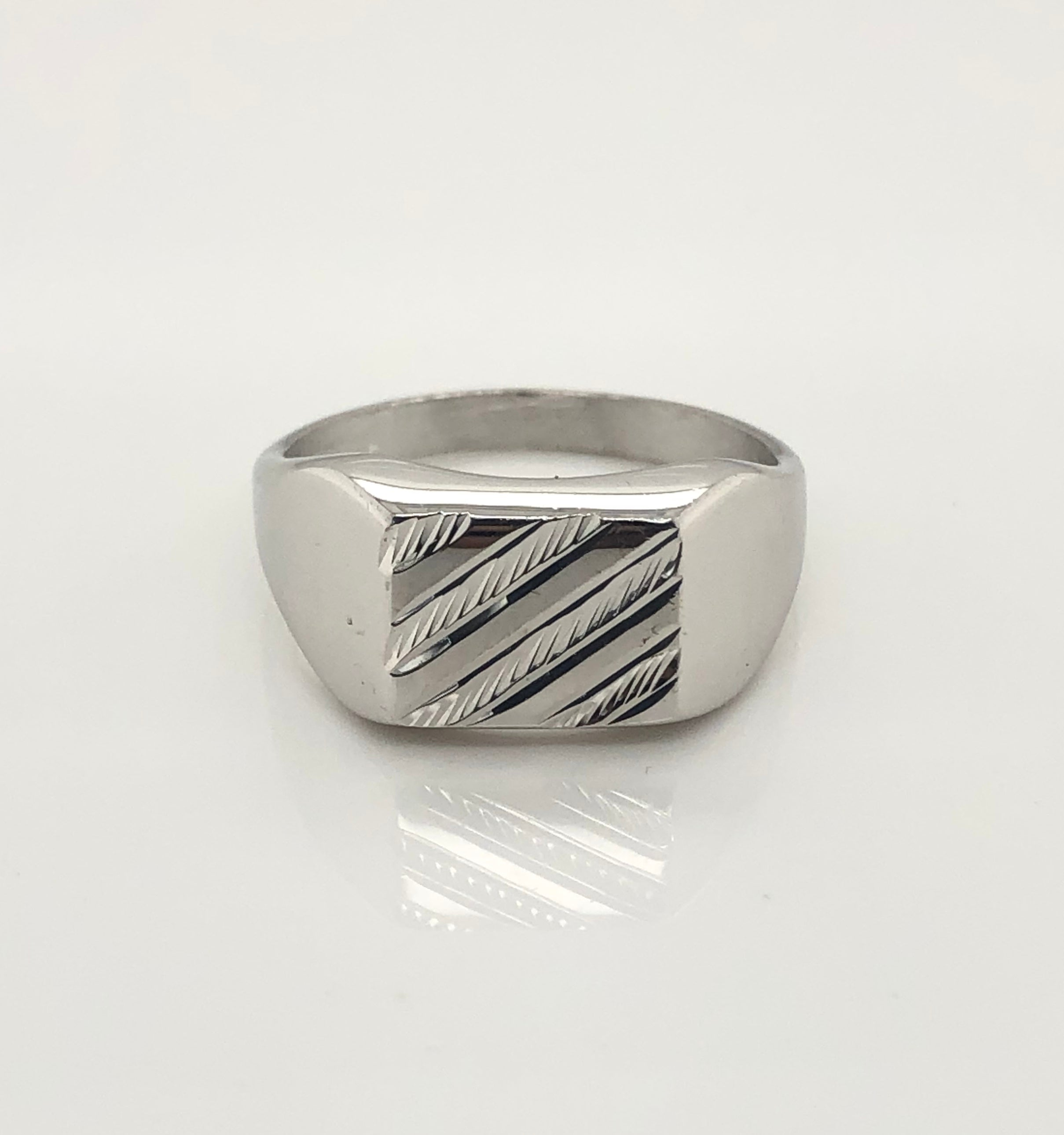 Gents Sterling Silver Ring 004