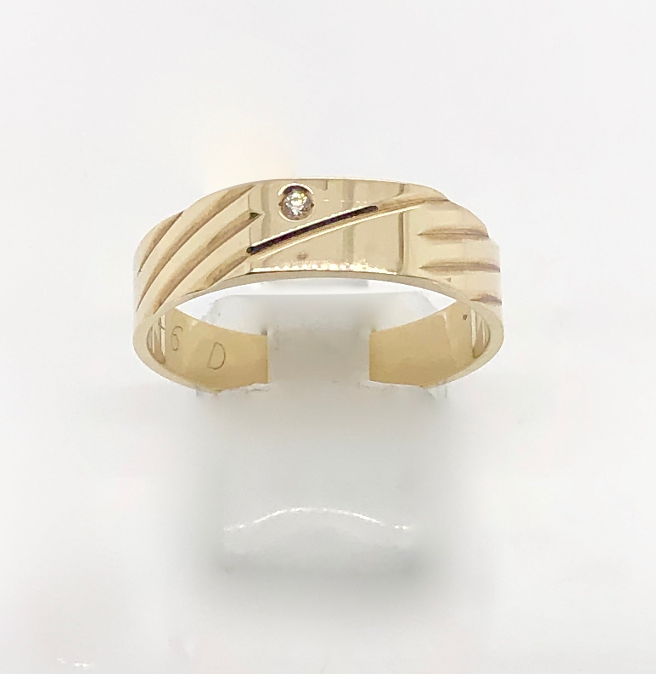 9ct Gold Gents Ring 007