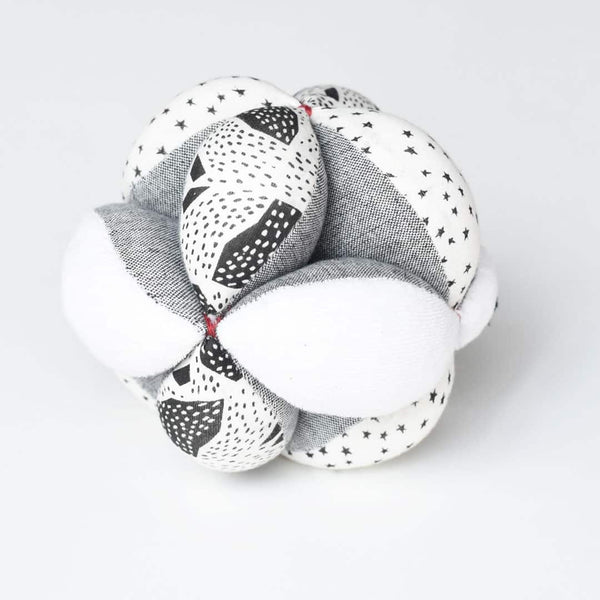 Wee Gallery Sensory Clutch Ball - Stars - toybox.ae