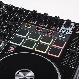 Reloop Terminal Mix 8 Pad  and effect section