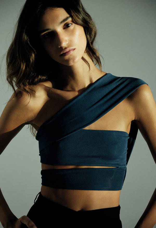 BLUE BANDAGE NECK TOP