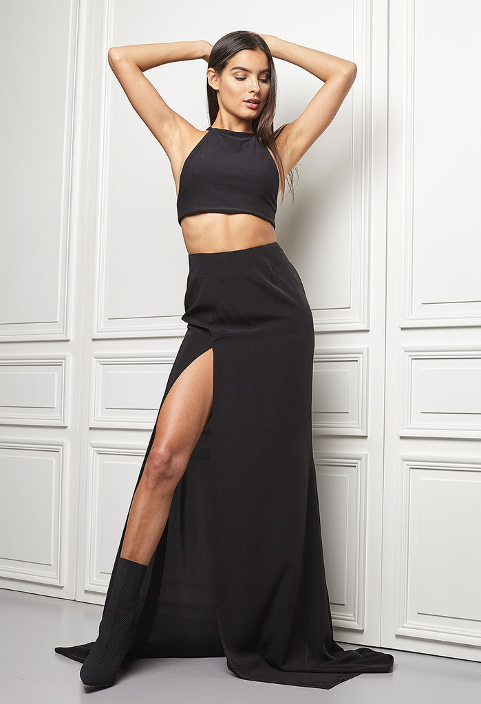 High waist skirt with high slit
