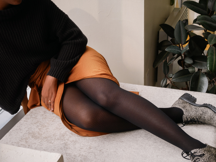 5 Mistakes We All Make When Putting on Tights